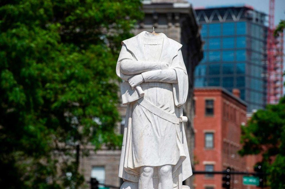 В США с момента начала акций протеста снесено 33 памятника Колумбу