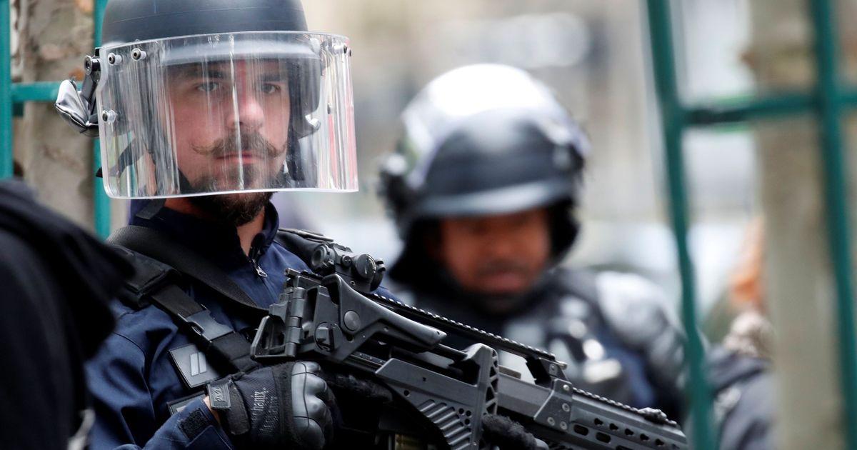 В Париже нападавший на прохожих хотел отомстить сотрудникам Charlie Hebdo