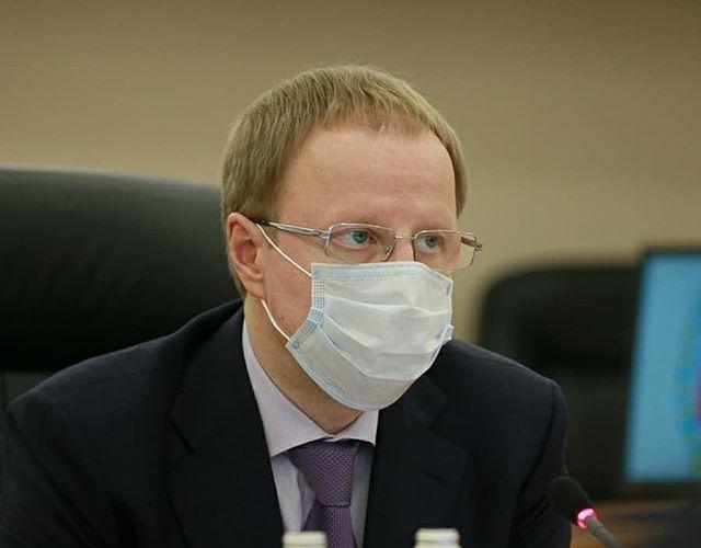 Губернатора Алтайского края госпитализировали из-за коронавируса