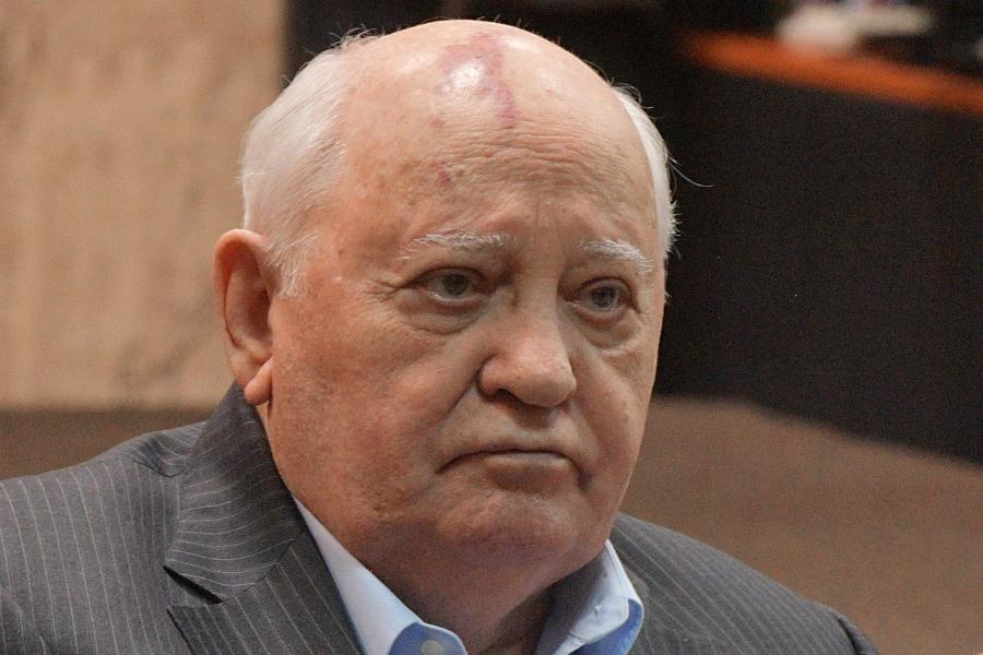 Горбачев посоветовал будущему президенту США дружить с Путиным