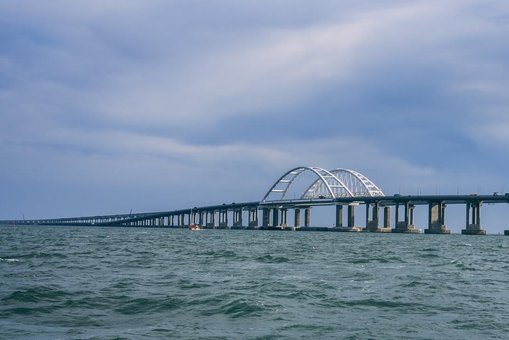 ЕС ввел санкции в отношении участников строительства Крымского моста