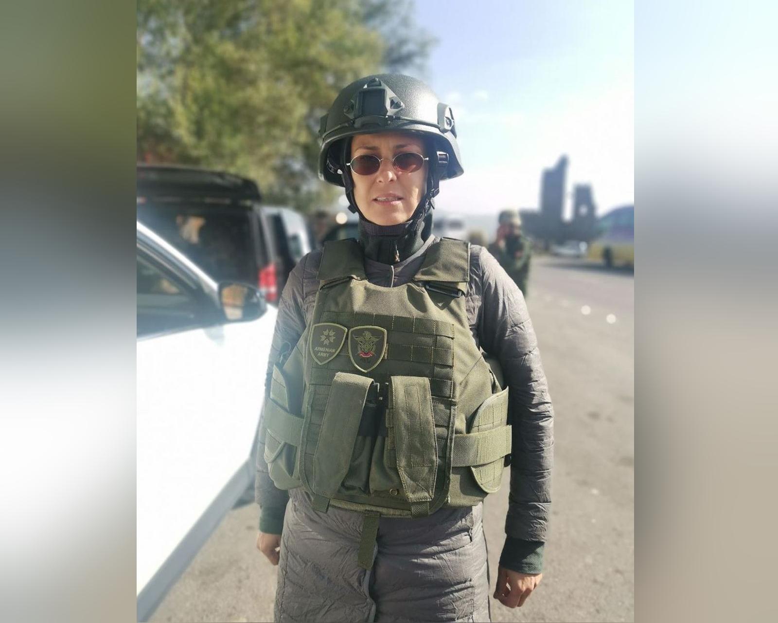 Певица Чичерина попала под обстрел в Нагорном Карабахе