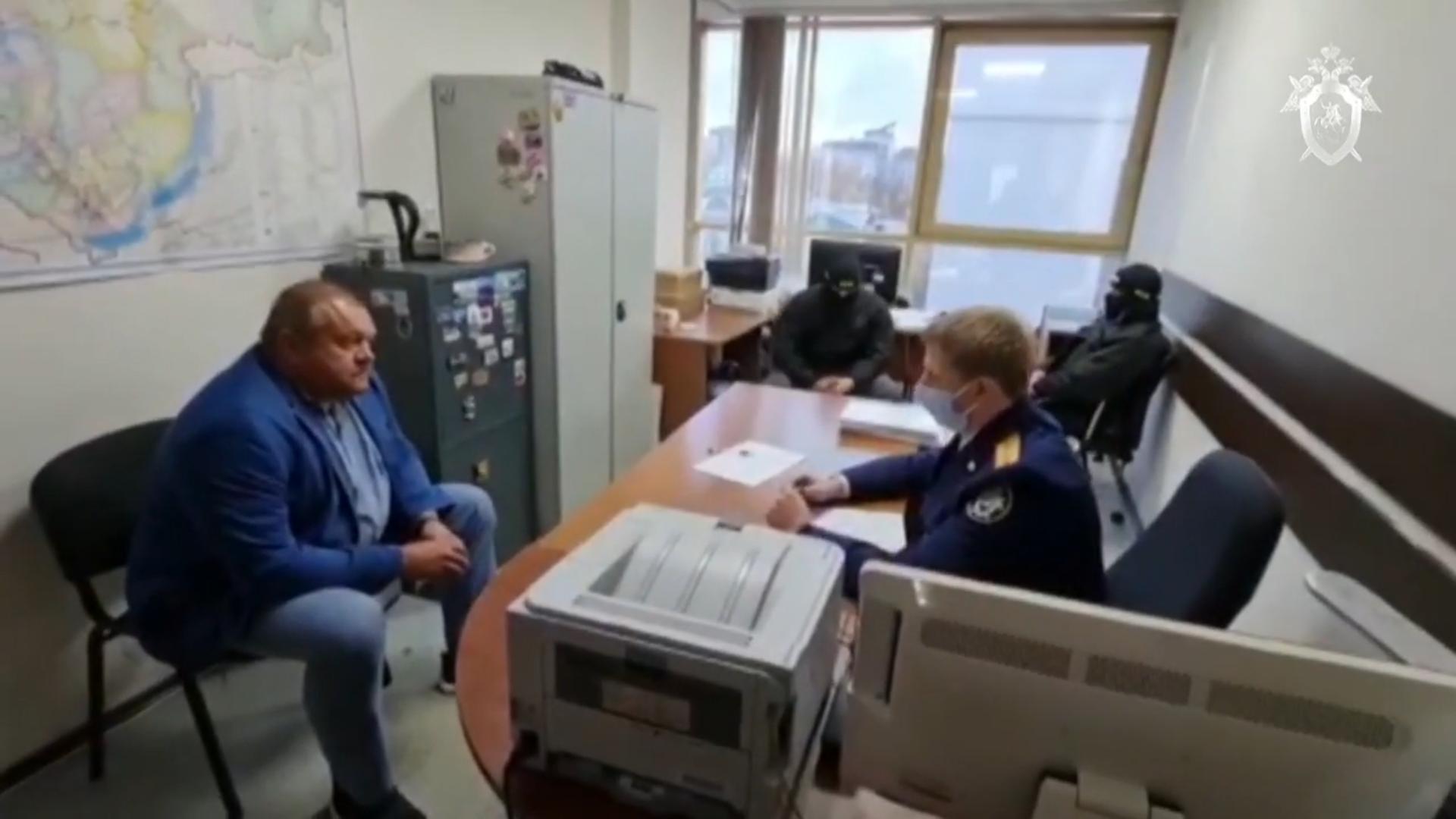 Скандального мэра Усть-Кута задержали после отпуска