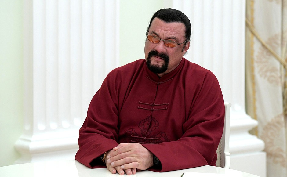 В Москве скоро откроют первую школу единоборств Стивена Сигала