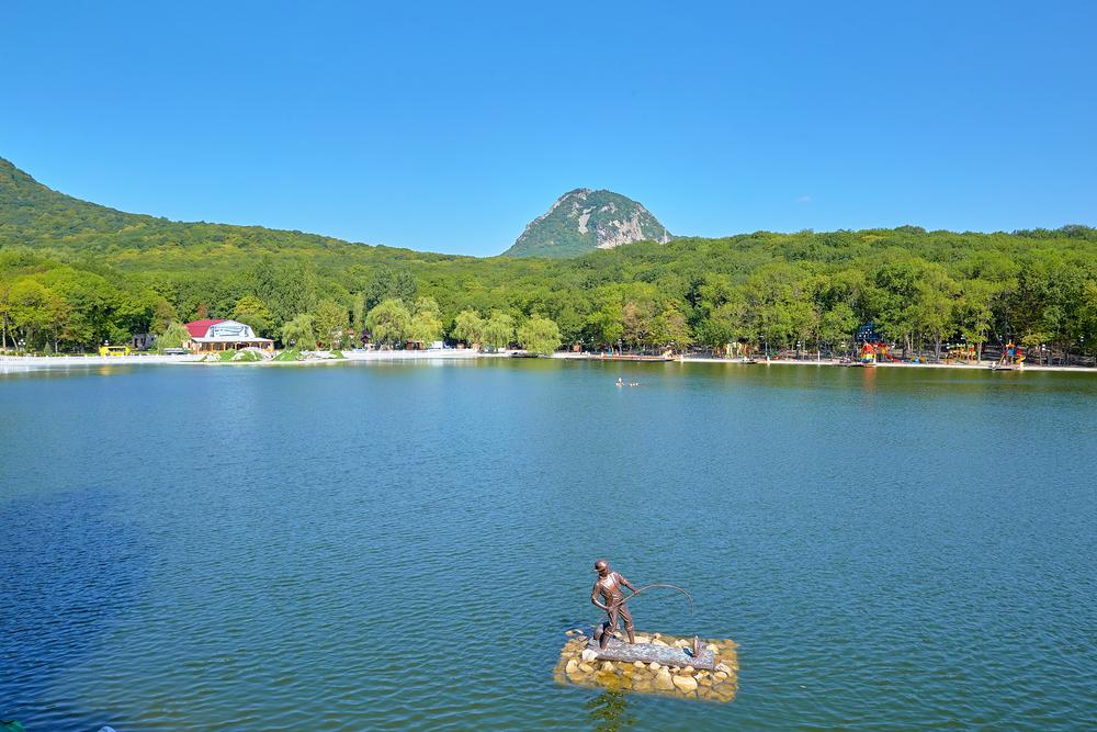 Первые глэмпинги на озере в Железноводске появятся уже в этом году