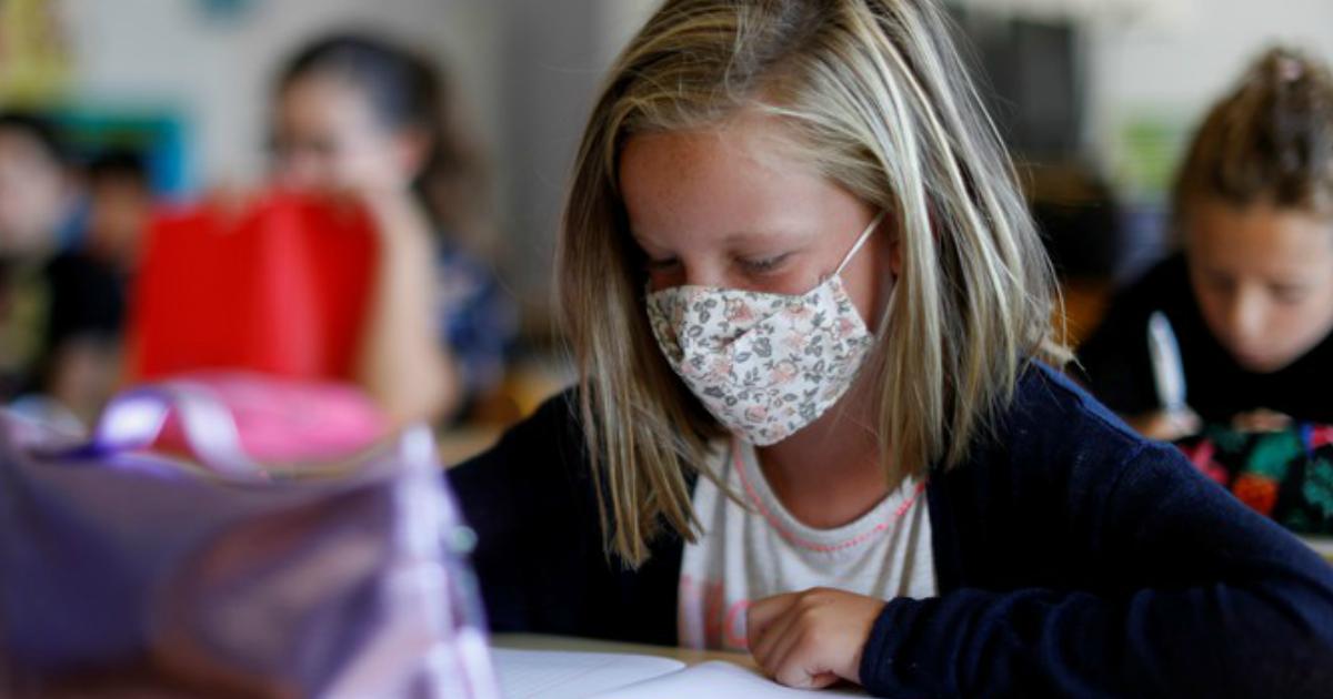 Тысяча российских учителей заболели коронавирусом за неделю