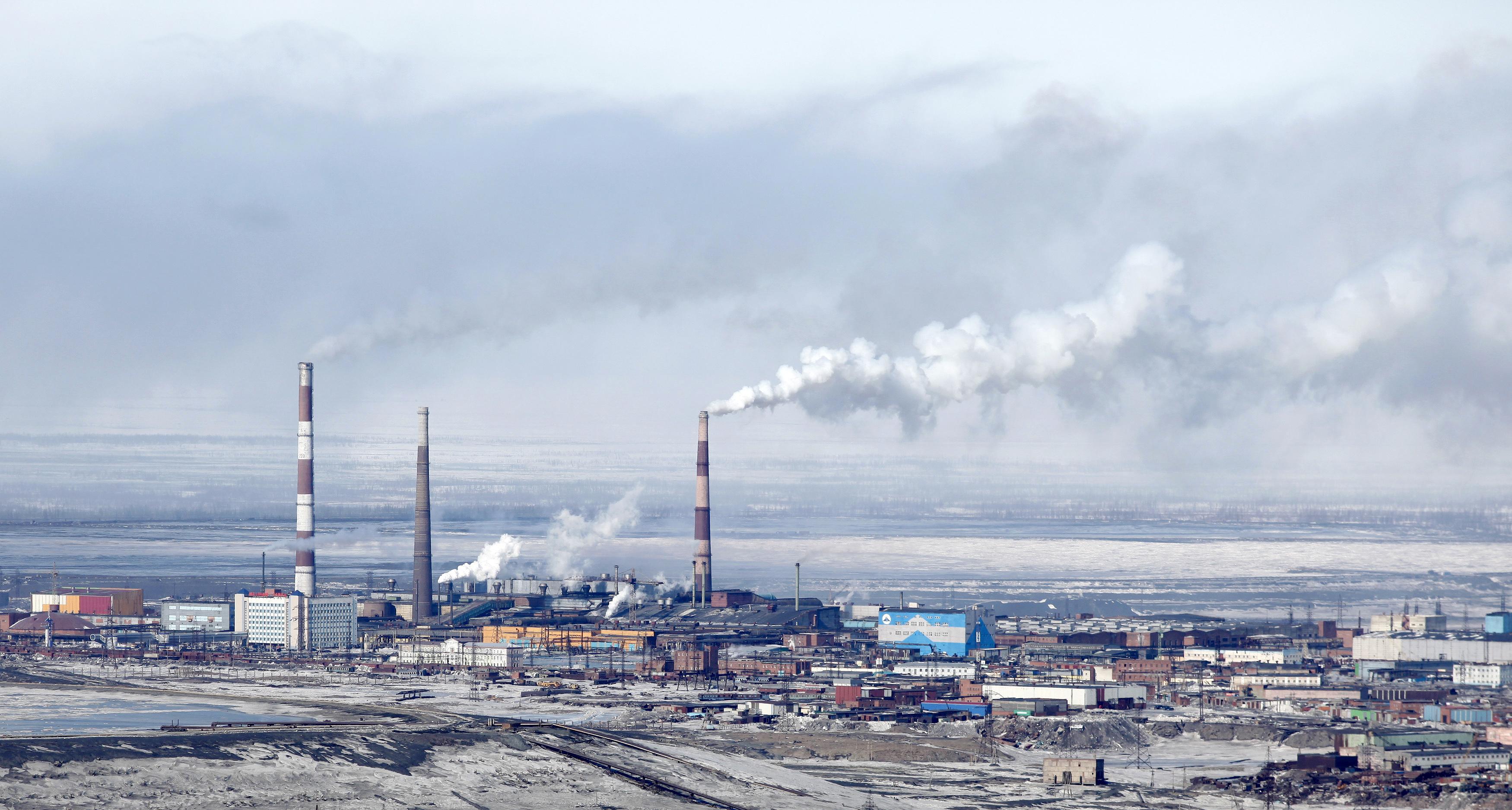 """""""Норникель"""" оценил ущерб от катастрофы под Норильском в семь раз меньше экологов"""