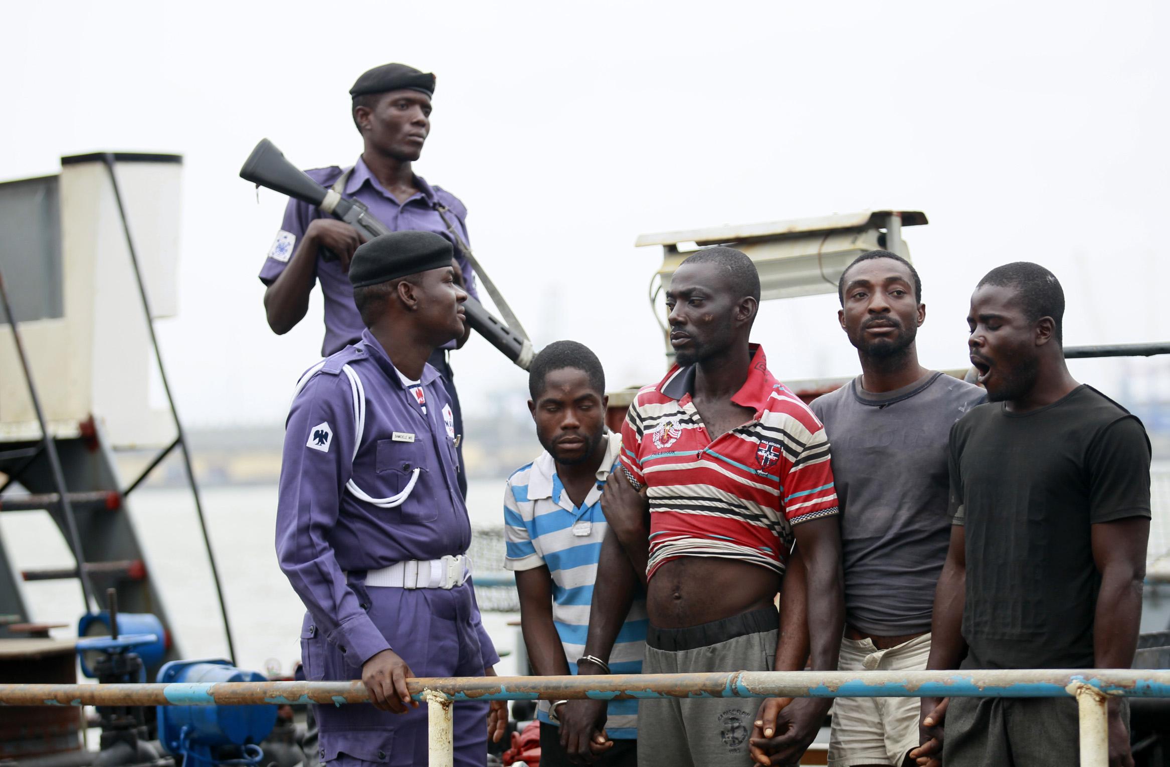 В Нигерии освободили захваченных пиратами россиян