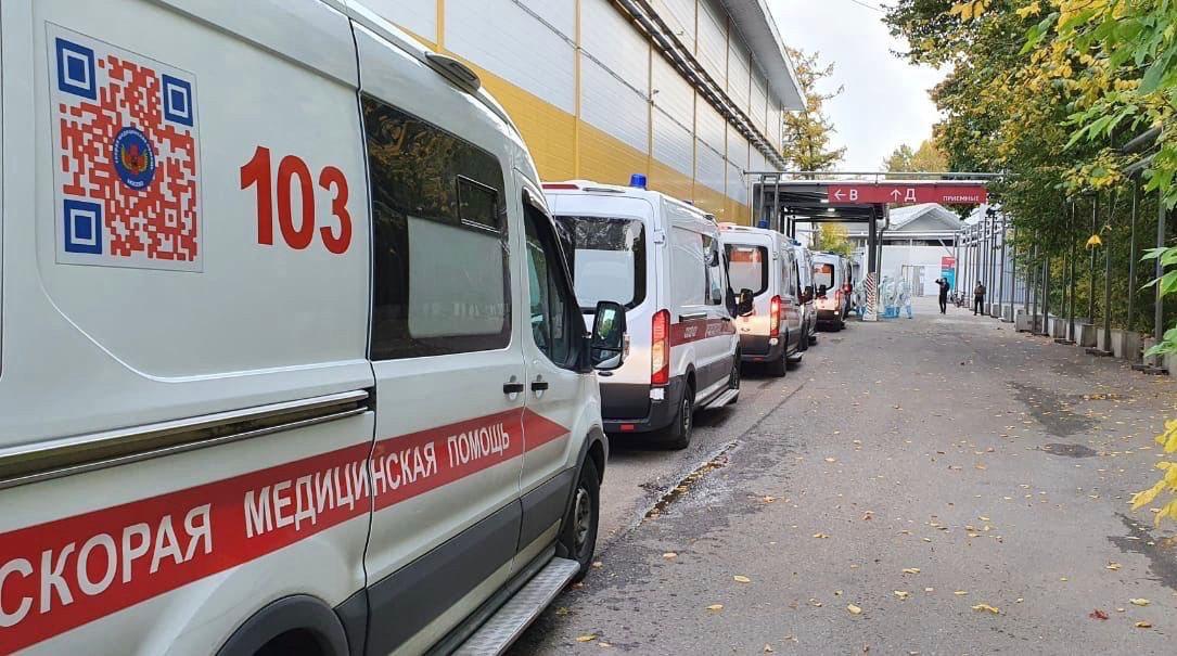 Первое снижение. В России за сутки выявили 11 115 новых случаев коронавируса