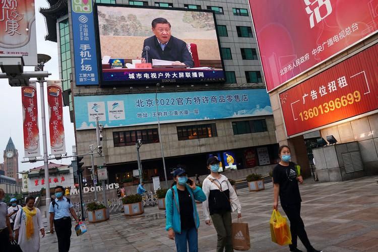 В Гонконге учителя уволили за вопросы о независимости от Китая