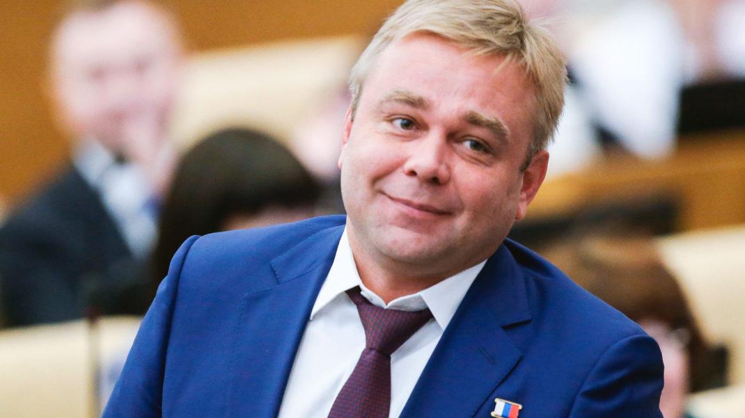 """Депутат-""""единорос"""" извинился перед Гагариным за отставание от США в освоении космоса"""