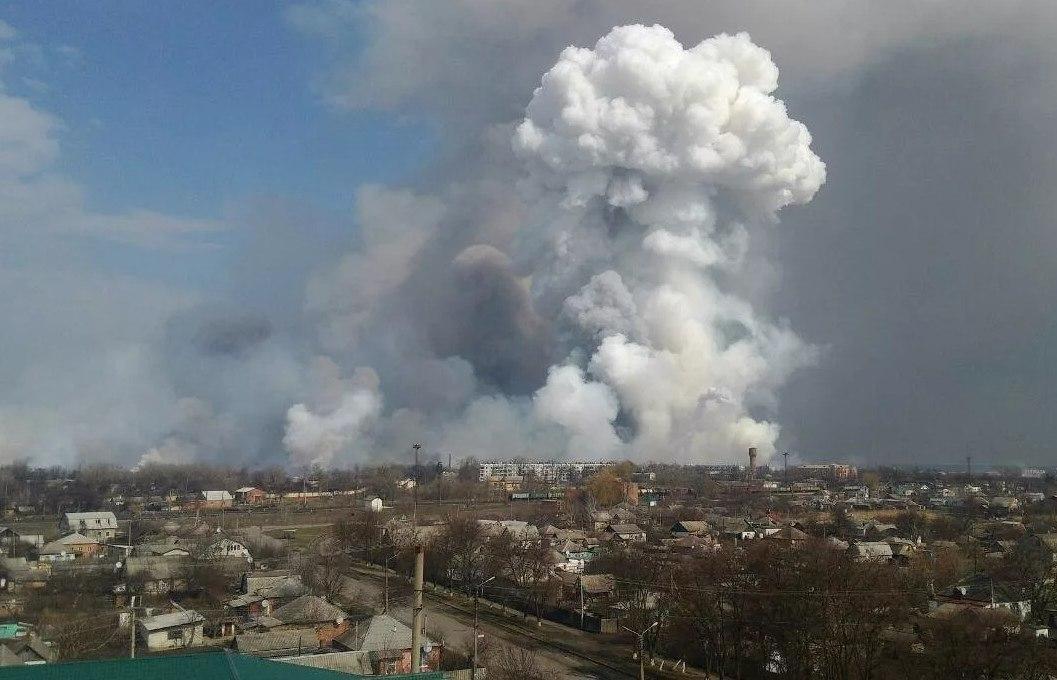Минобороны провело наземную разведку горящего склада боеприпасов