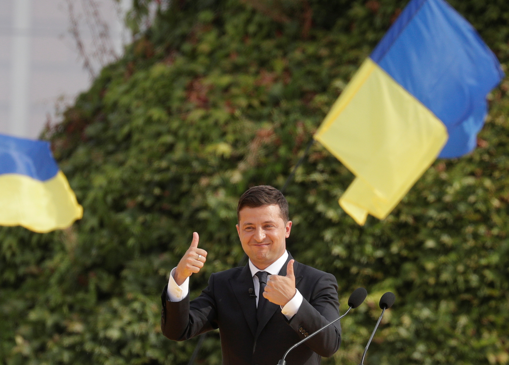 Зеленский готов уйти с поста, если не сможет закончить войну на Донбассе