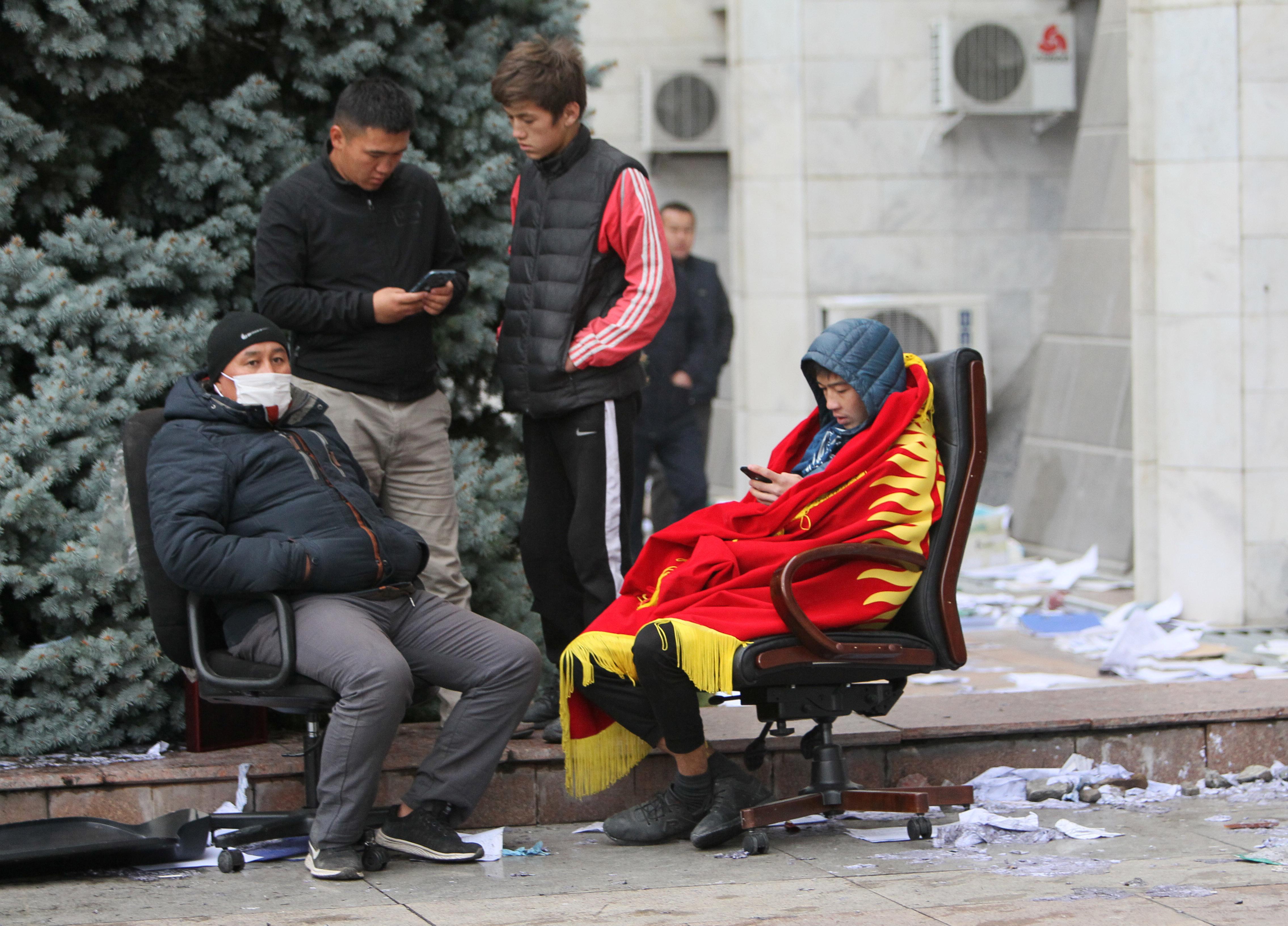 В Бишкеке отчитались об окончании протестов