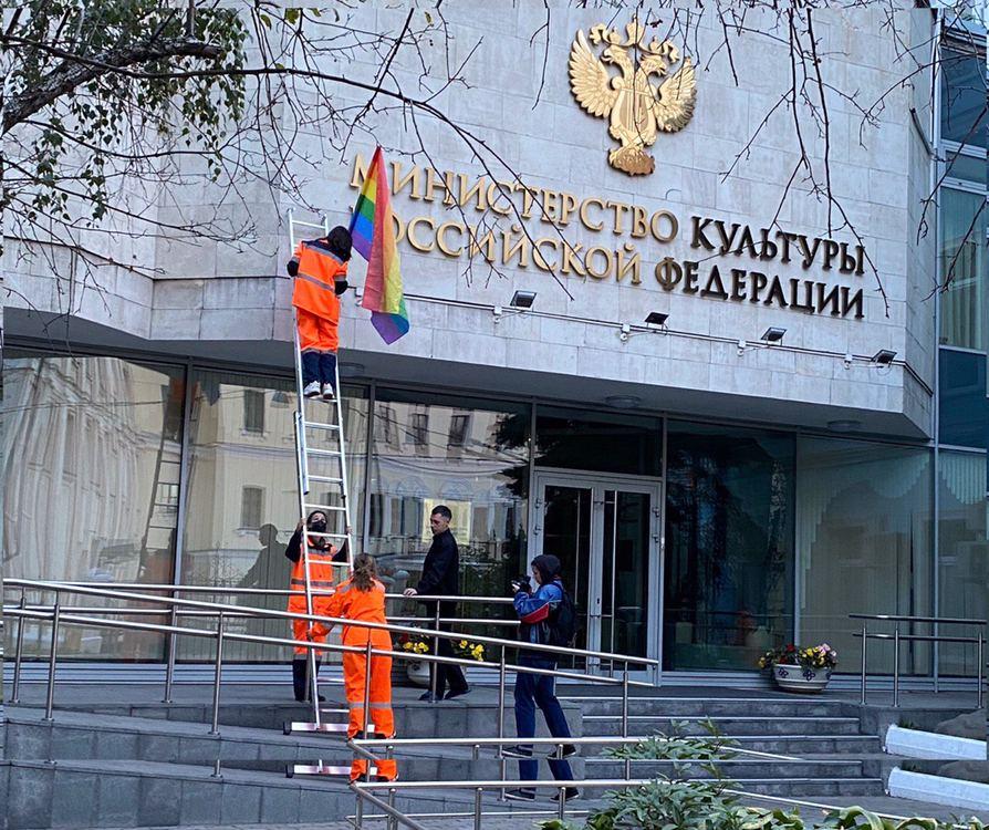 Муниципального депутата задержали за участие в акции Pussy Riot