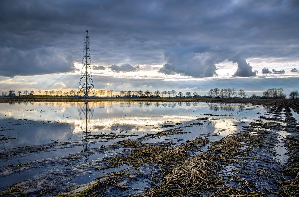 Ростехнадзор назвал версии причин разлива топлива под Норильском
