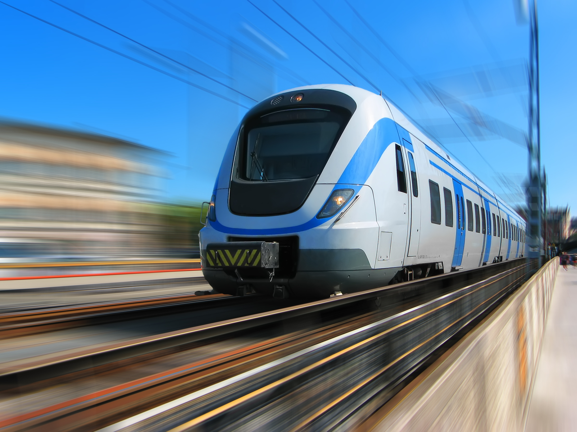 В Подмосковье поезд протащил подростка по платформе