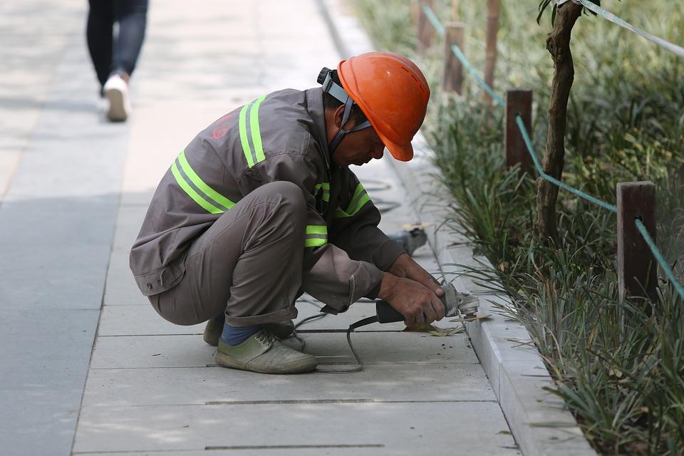 В Совфеде предложили изменить квоту на мигрантов за счет использования труда осужденных