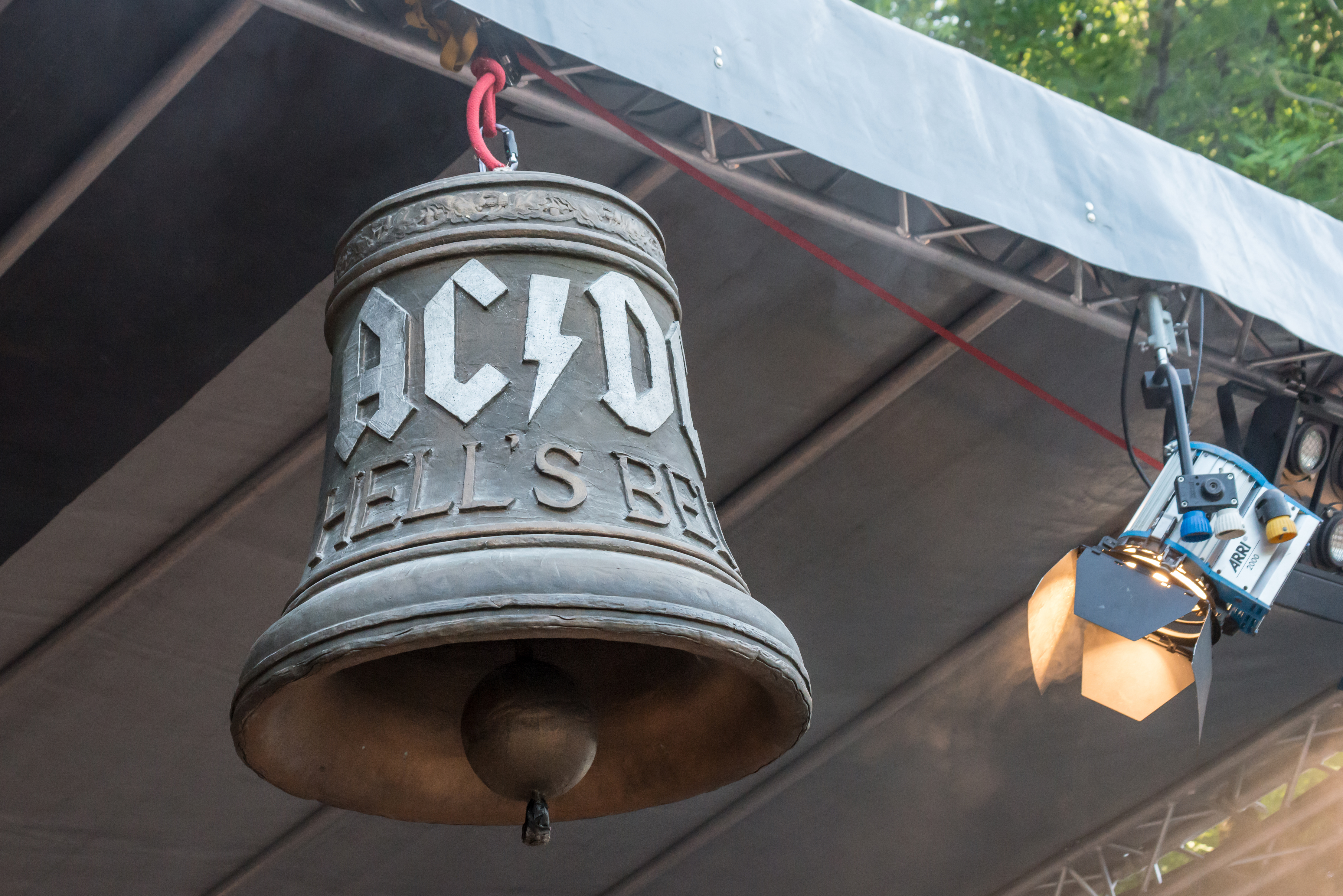 Умер бывший басист рок-группы AC/DC Пол Мэттерс