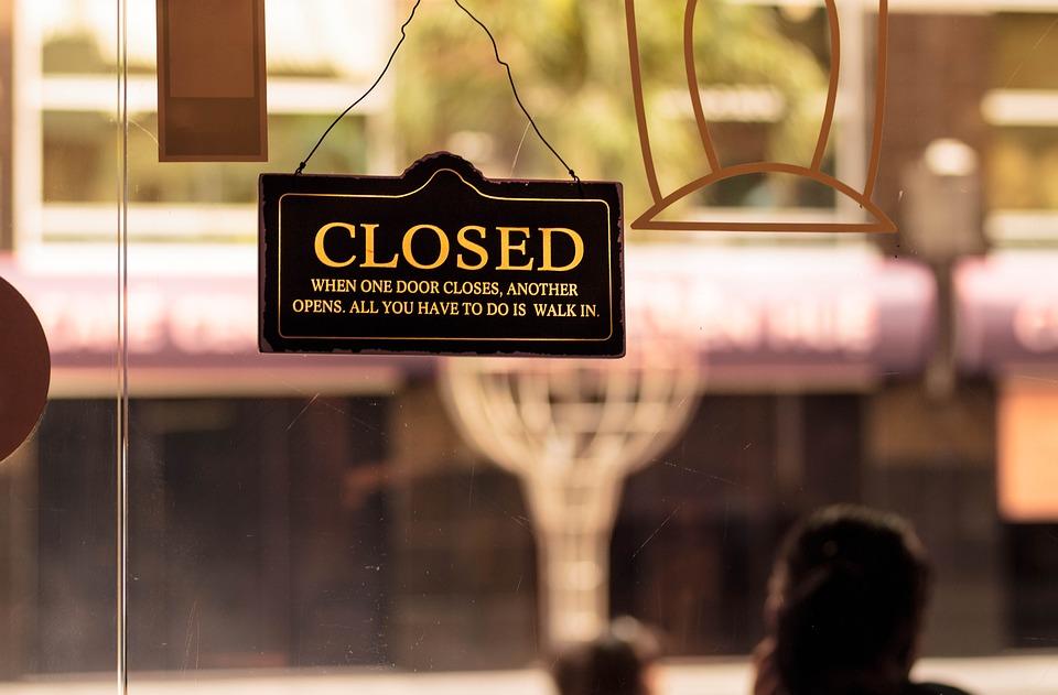 В Бельгии запретят выходить на улицу по ночам и закроют рестораны