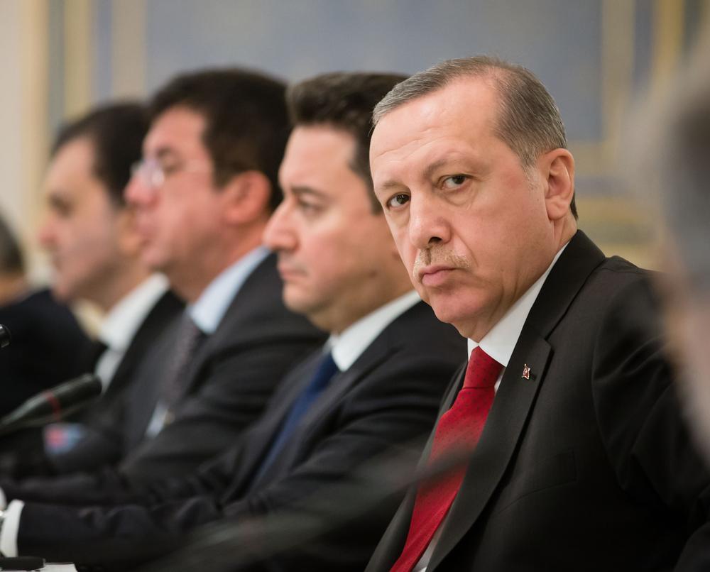 Эрдоган заявил, что РФ, США и Франция поставляют вооружения Армении
