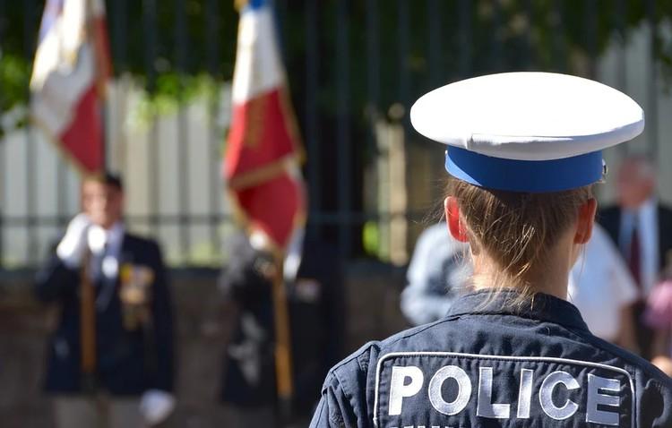 Во Франции прошли манифестации против мракобесия