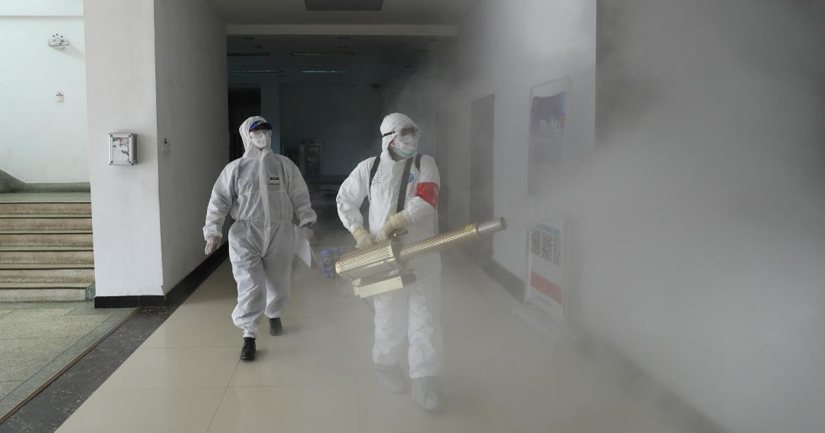 """Совбез РФ: пандемия COVID-19 показала угрозу распространения """"рукотворных"""" вирусов"""