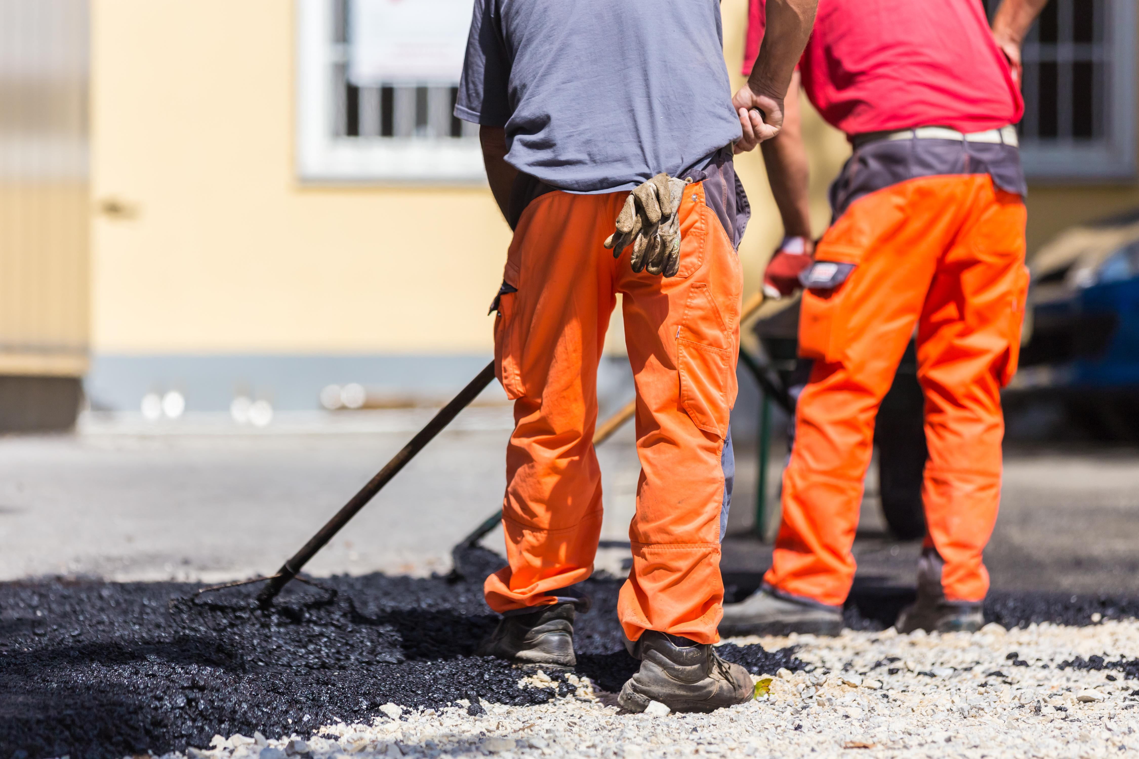 СК возбудил дело из-за строительства дороги под Смоленском на 80 см выше старого полотна