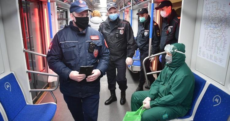 Жителям Екатеринбурга разрешили самим выталкивать из транспорта людей без масок