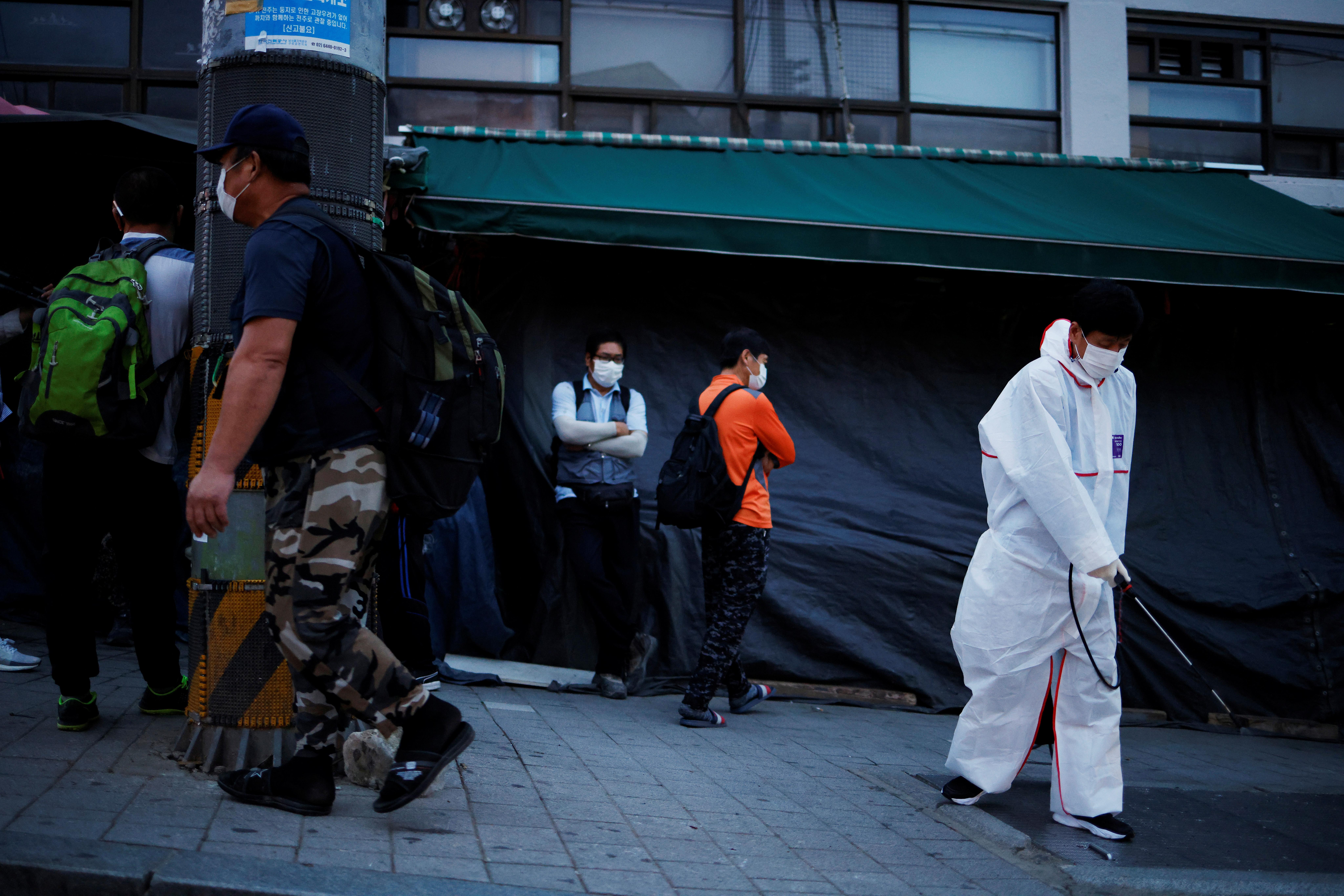 Новые смерти: южнокорейские медики призвали остановить вакцинацию от гриппа