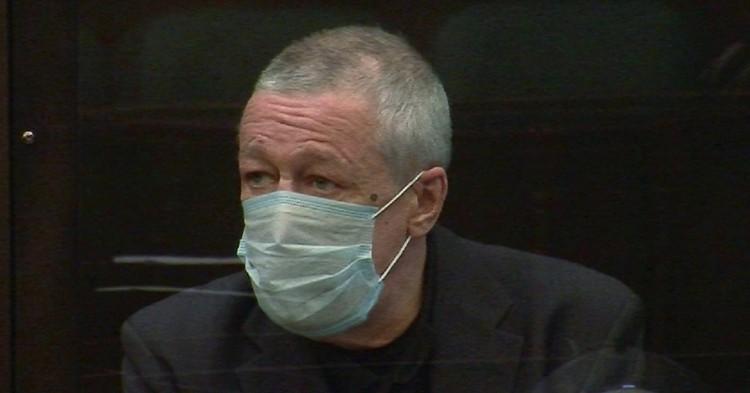 Ефремов попросил Мосгорсуд назначить ему наказание, не связанное с лишением свободы