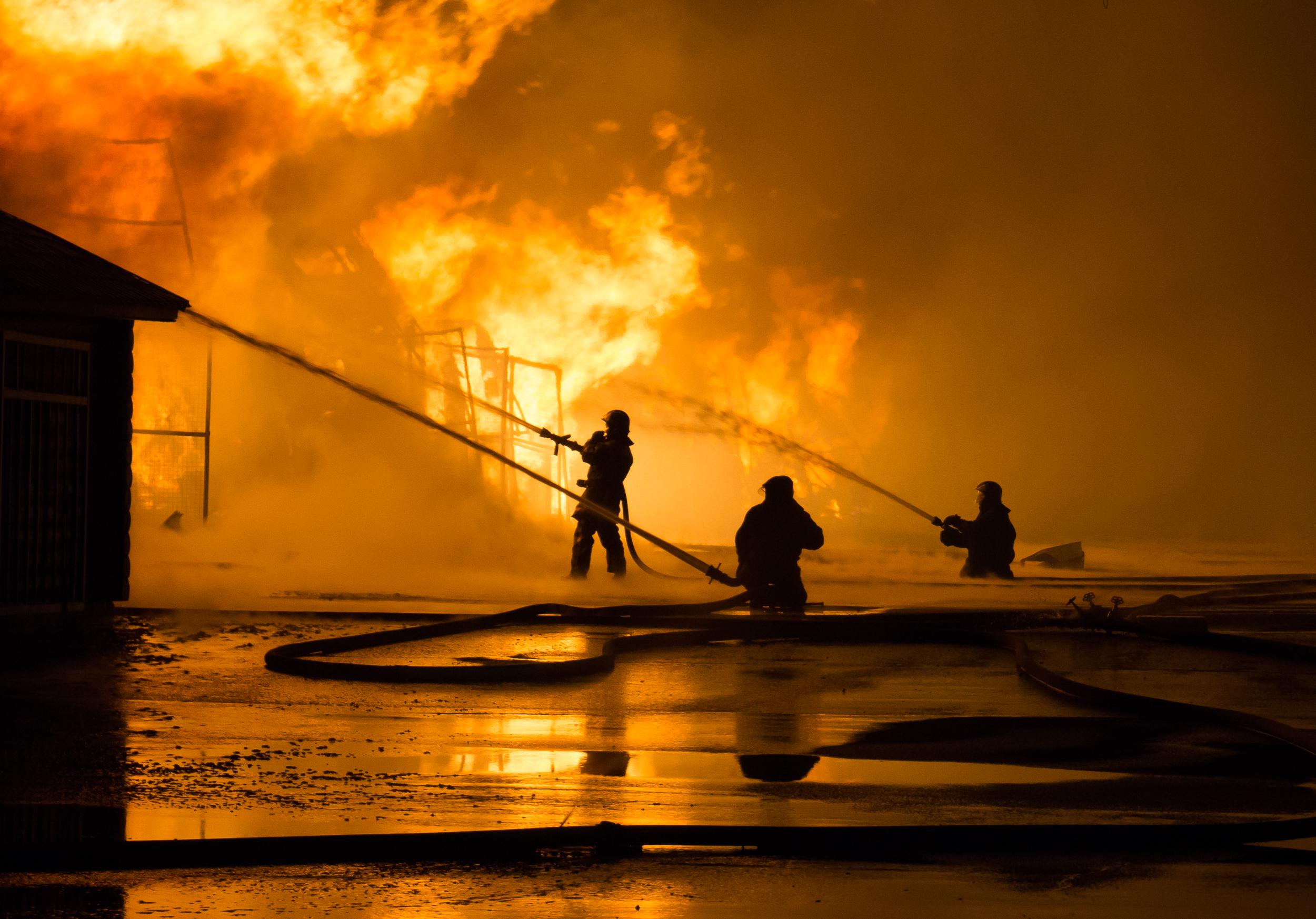 В Петербурге ликвидировали открытое горение в здании XIX века