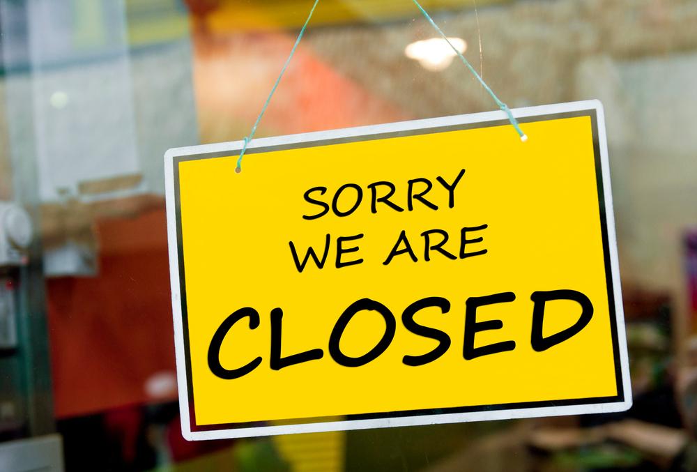 В Польше из-за пандемии закрыли рестораны и бары