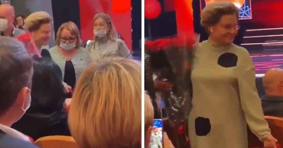 Малышева посоветовала устрицы от ковида и пришла в театр без маски
