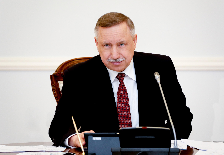 Губернатор Санкт-Петербурга ушел на удаленку из-за возможного заражения COVID