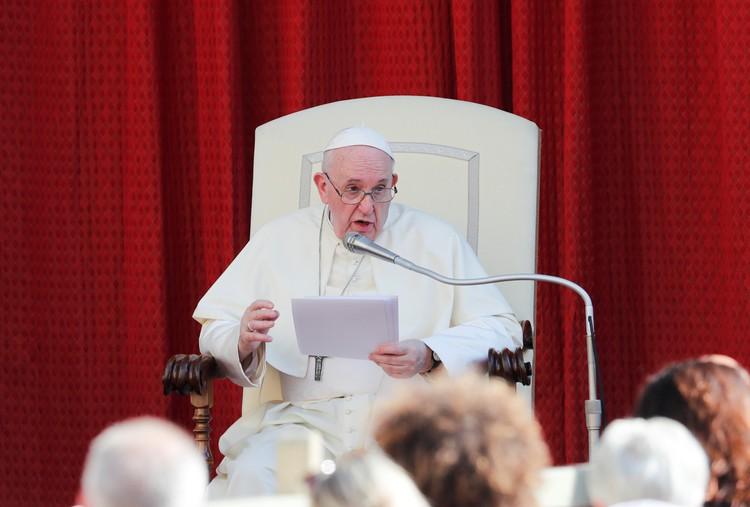 СМИ: слова Папы римского об однополых отношениях намеренно искажены