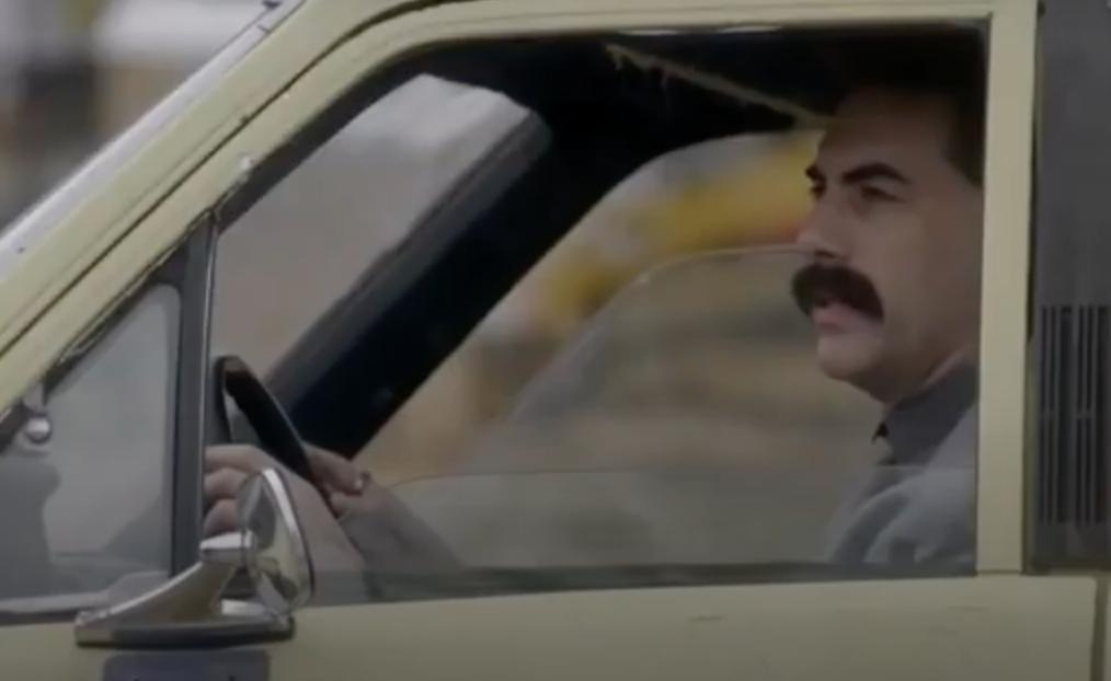 Саша Барон Коэн поблагодарил Трампа за рекламу фильма «Борат 2»