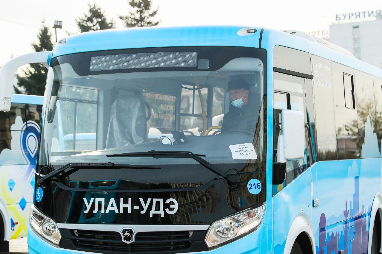 В Улан-Удэ массово ломаются новые автобусы с цитатами Путина