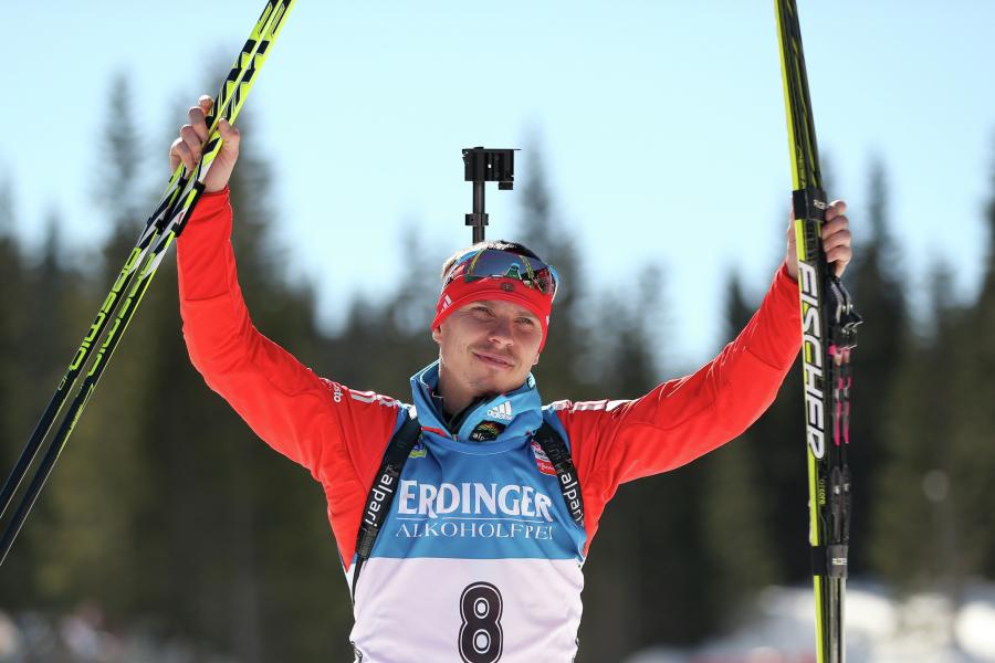 У биатлониста Устюгова отобрали олимпийские медали за допинг