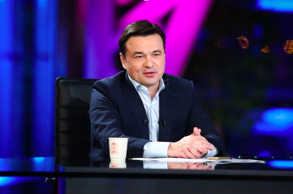 Губернатор Воробьев опробовал на себе прививку от коронавируса
