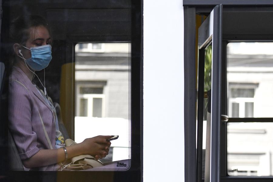 С начала осени в московских автобусах наказали 60 тысяч антимасочников
