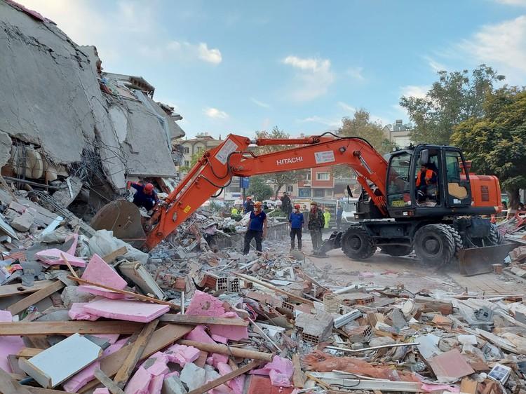 Число жертв землетрясения в Турции возросло до 24
