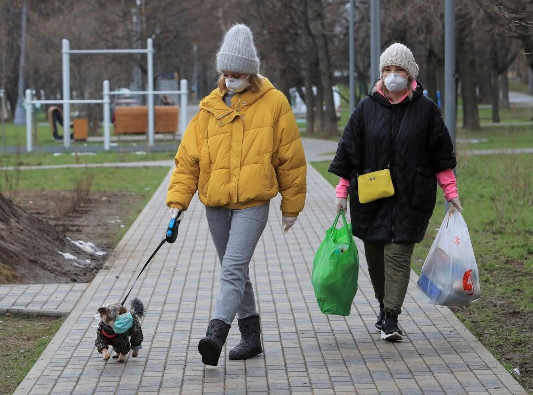 В Москве пока не планируют вводить пропуска и ограничивать прогулки горожан