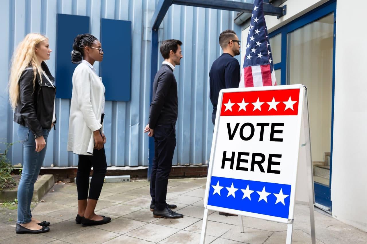 Избиратели в Нью-Йорке сбривают волосы, чтобы проголосовать дважды