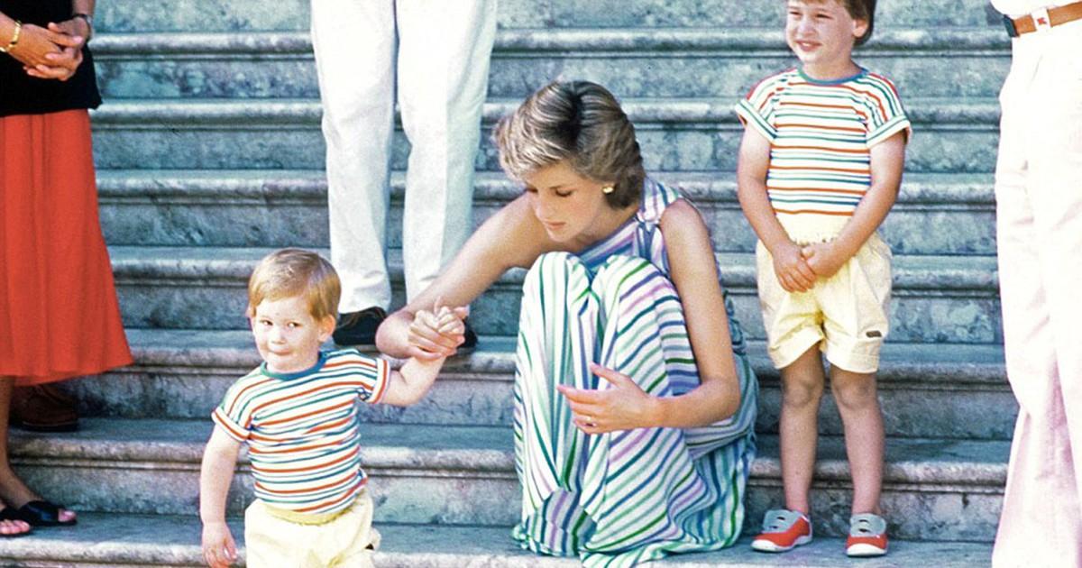 Фото Маленький принц: каким был Гарри в детстве, когда Леди Ди еще была жива