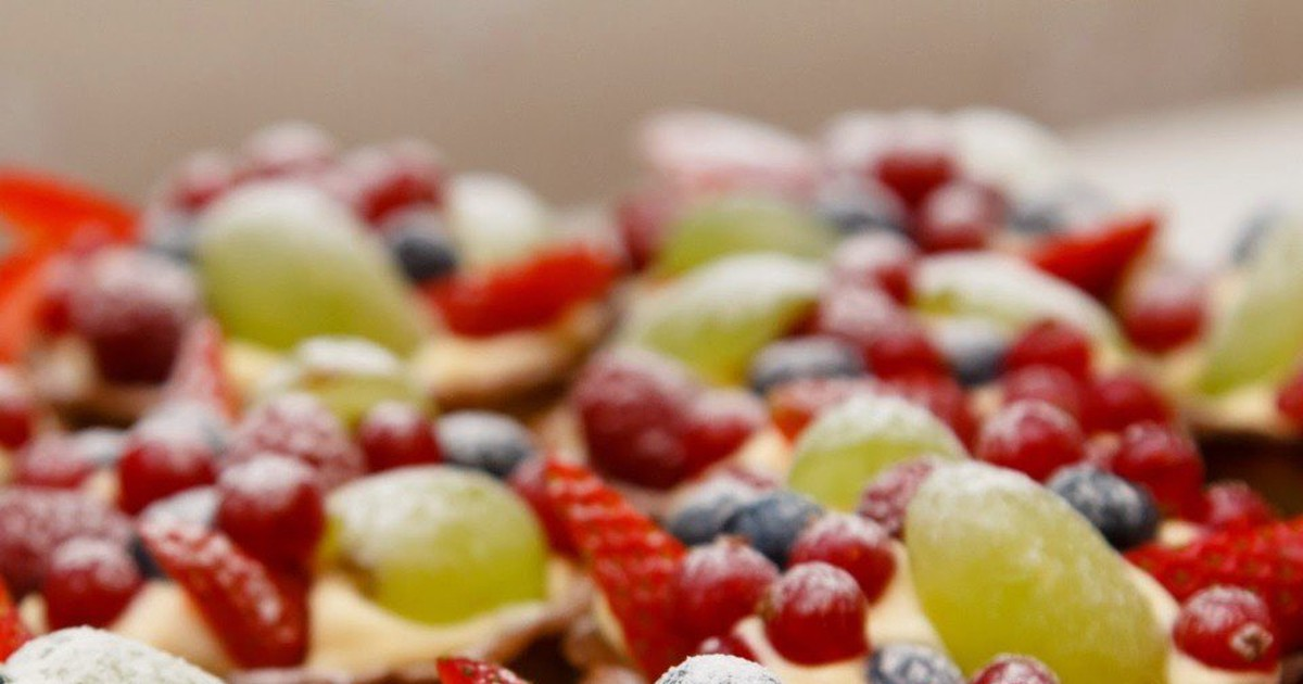 Фото Миндальные корзиночки с заварным фруктовым кремом