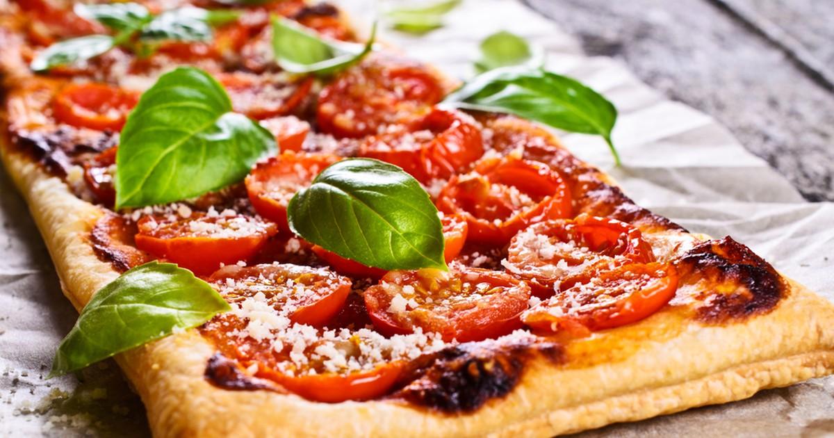 Фото Пирог из свежих помидоров и базилика