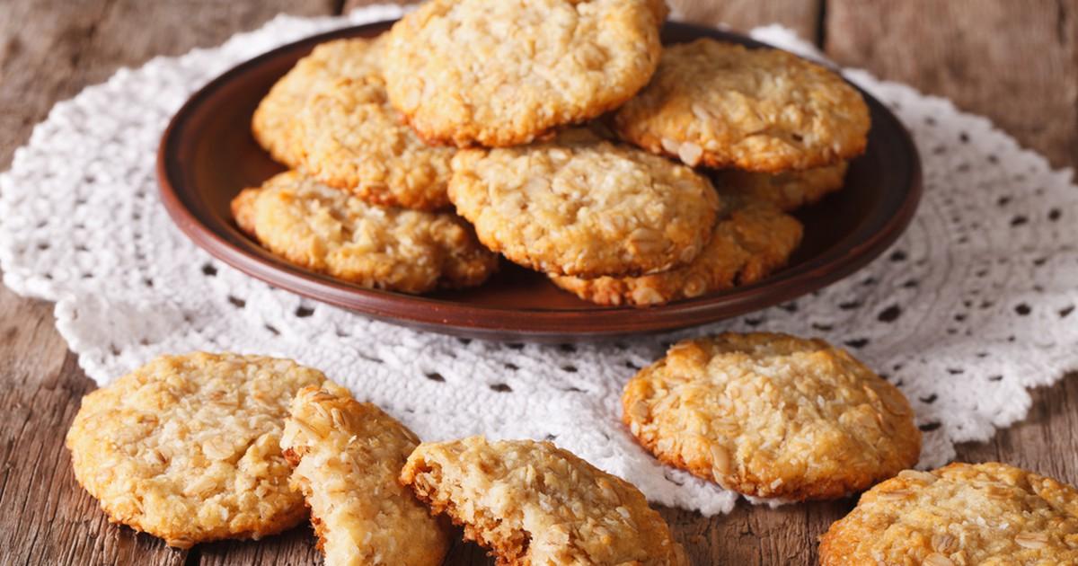 Фото Если добавить меньше кокосовой стружки и чуть побольше меда,то печенье будет более мягким и наоборот,если больше кокосовой стружки то будет более хрустящим.