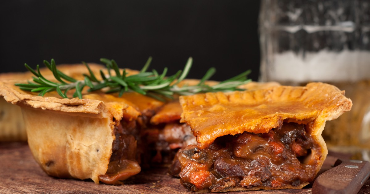 Фото Пивной пирог с мясом - традиционное британское блюдо