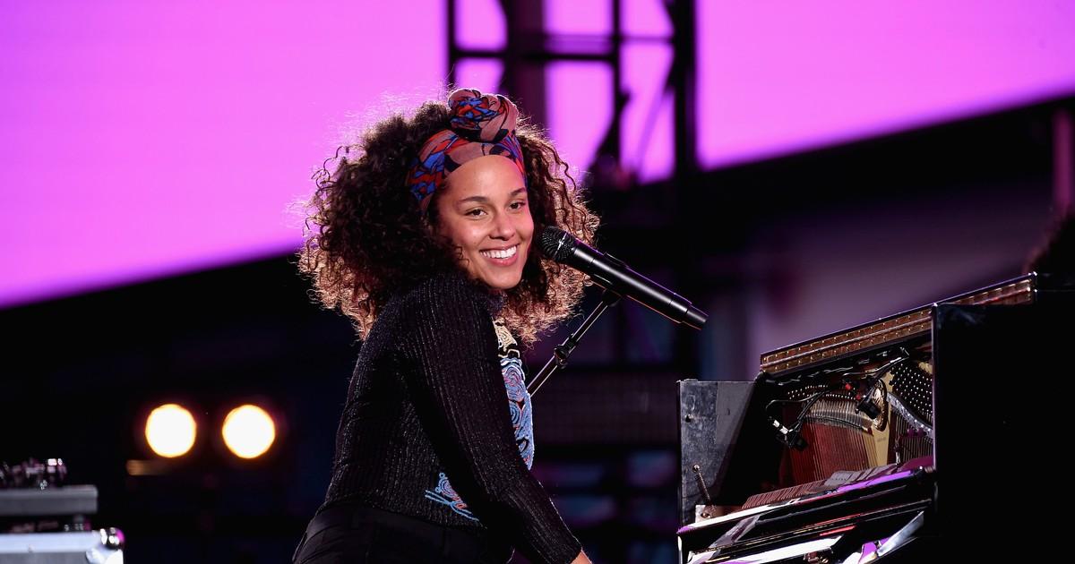 Фото Потрясающее выступление Алиши Киз на шоу The Voice